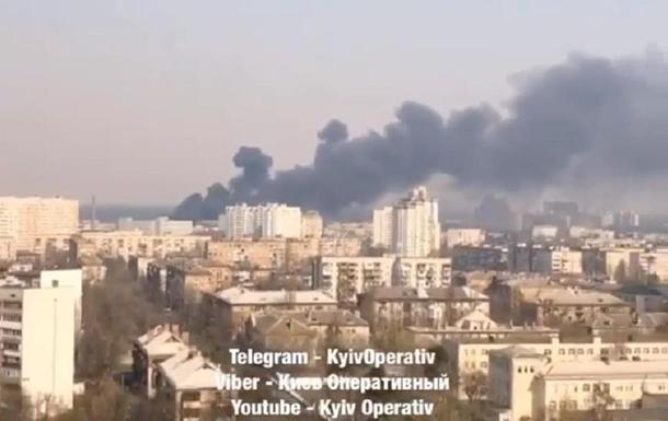 На Бориспольской в Киеве пылает масштабный пожар
